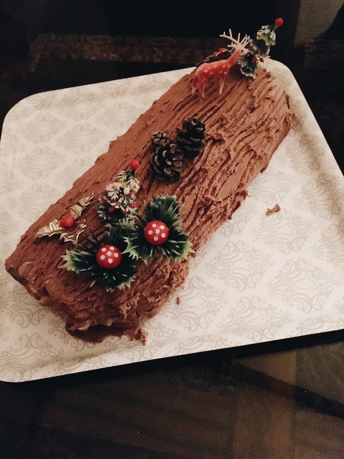chocolate yuletide log