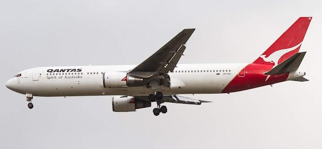 Qantas VH-OGI Boeing 767-338ER