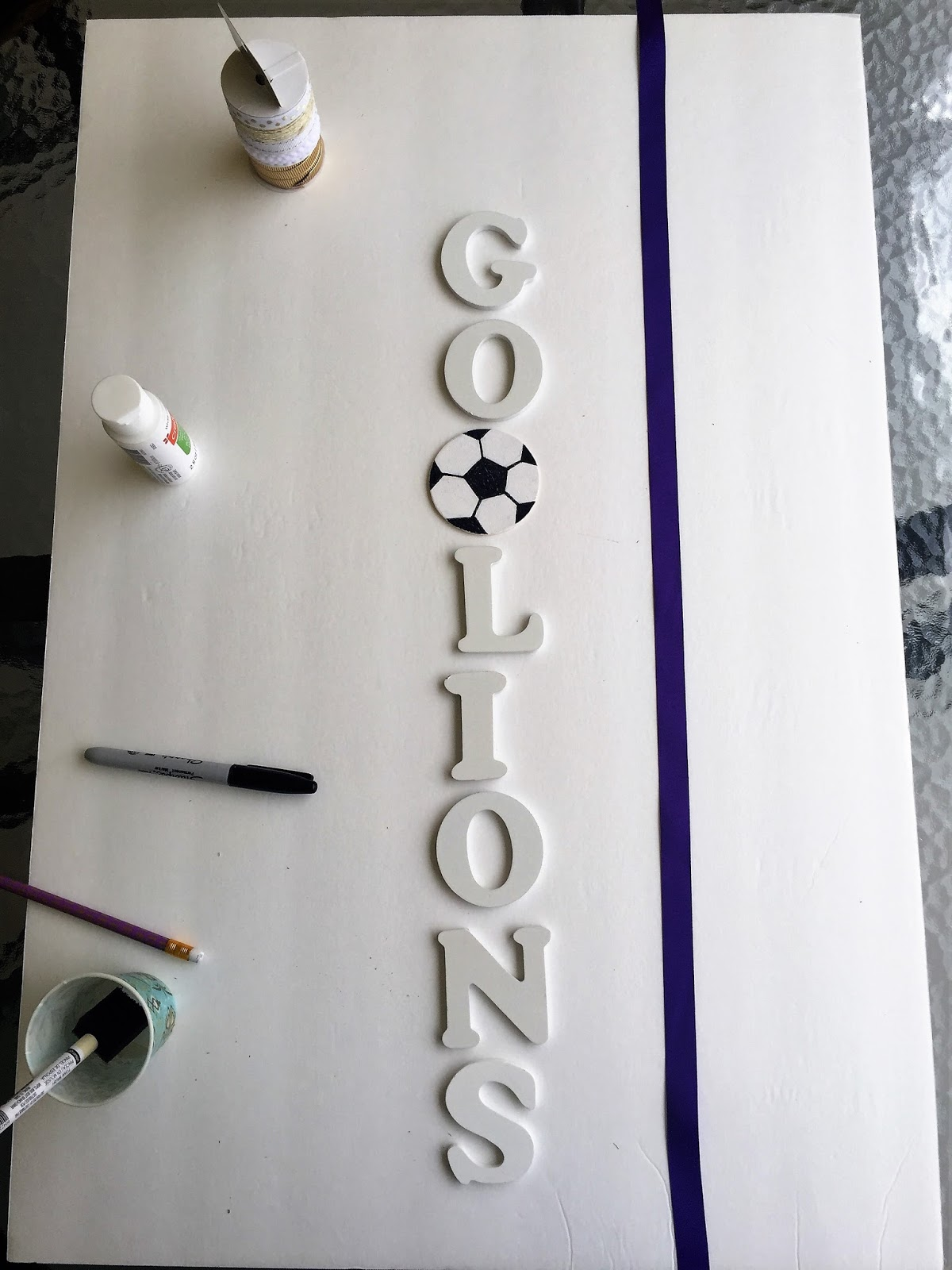 diy sports team wall hanger