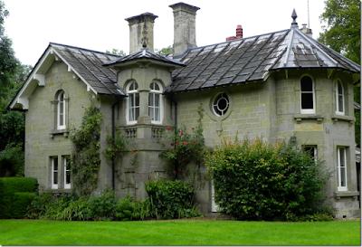 Daye House