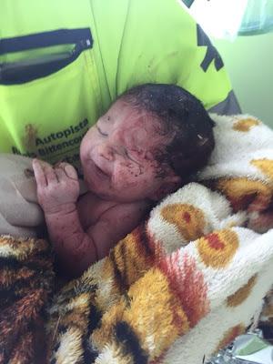 Bebê nasceu após grave acidente na Regis Bittencourt em Cajati no Vale do Ribeira