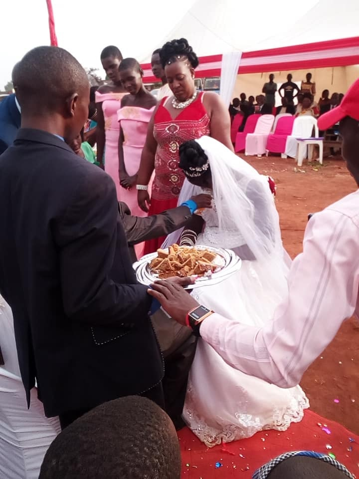 forc%2B3 - WOMAN shocks people at wedding, she looks so sad on the big day, Was she forced?(VIRAL PHOTOs).