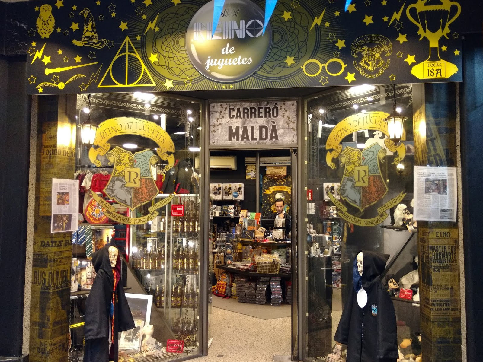 VIAJAR CODE  Verónica  Tiendas Harry Potter en Barcelona a9a6ff169cb