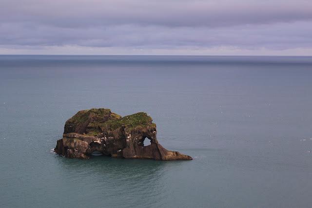 Troll de piedra en Islandia