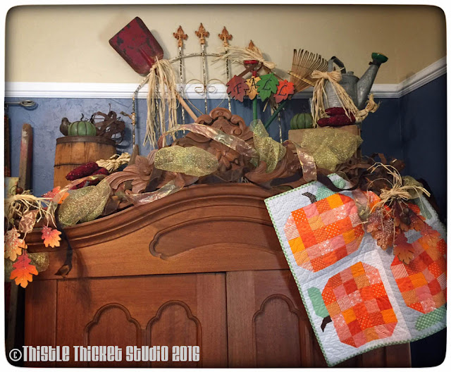 Thistle Thicket Studio, fall decor, pumpkin quilt, fallscape