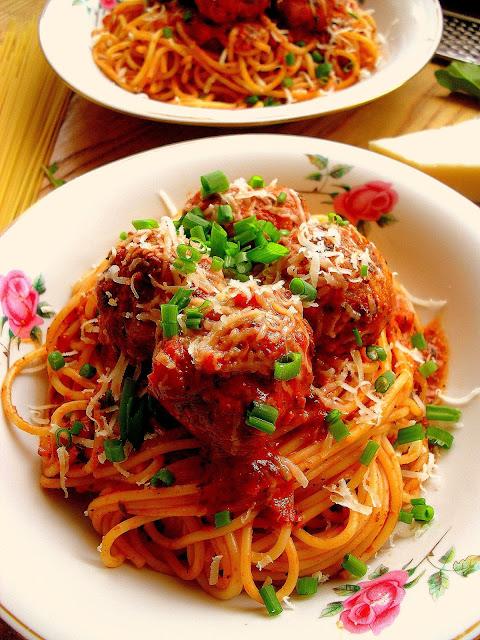 Spaghetti z klopsikami / Spaghetti and Meatballs
