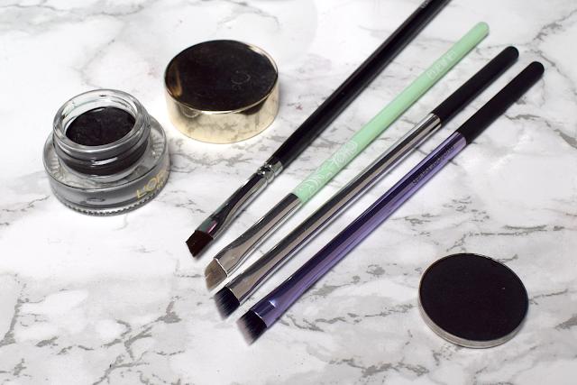 Real Techniques angled eyeliner brush eyelining set review