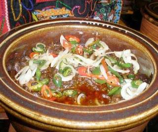 http://www.wisatakalimantan.com/2016/07/nasi-bekepor-sambal-raja-khas-kalimanta-timur10.html