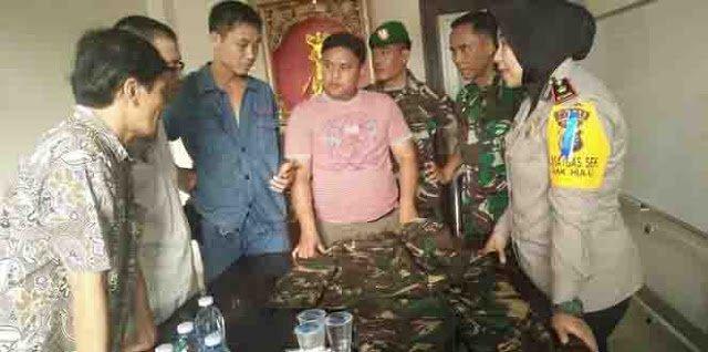 Tentara Cina Tertangkap Kamera Belanja di Pasar Kampar Riau, Invasi?