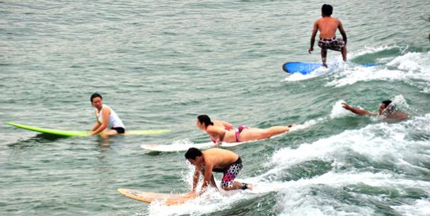 Pantai Batukaras, Surga Bagi Peselancar Mancanegara & Domestik