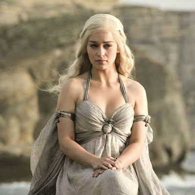 emilia-clarke-feels-no-need-to-justify-nude-scenes-in-got