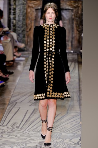 Runway report valentino haute couture a w 2011 nick for Haute couture members