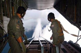 Η ΑΠΟΛΥΤΗ απόδειξη ότι νατοϊκά αεροσκάφη ψεκάζουν με χημικά παντού; [photos+video]