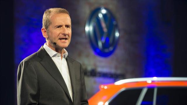 Volkswagen promete mantener sus plantas en México