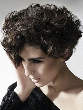 short curly hairstyles for women 2012