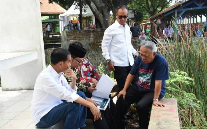 ... panggilan karib Gubernur Jabar di sela Kunjungan Kerja Presiden  Republik Indonesia beserta rombongan Menteri Kabinet Kerja eb55a78498