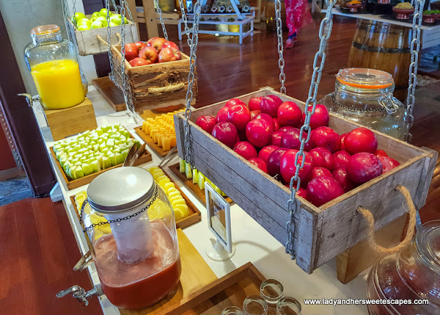 healthy options in GourMed Brunch The Cove Rotana