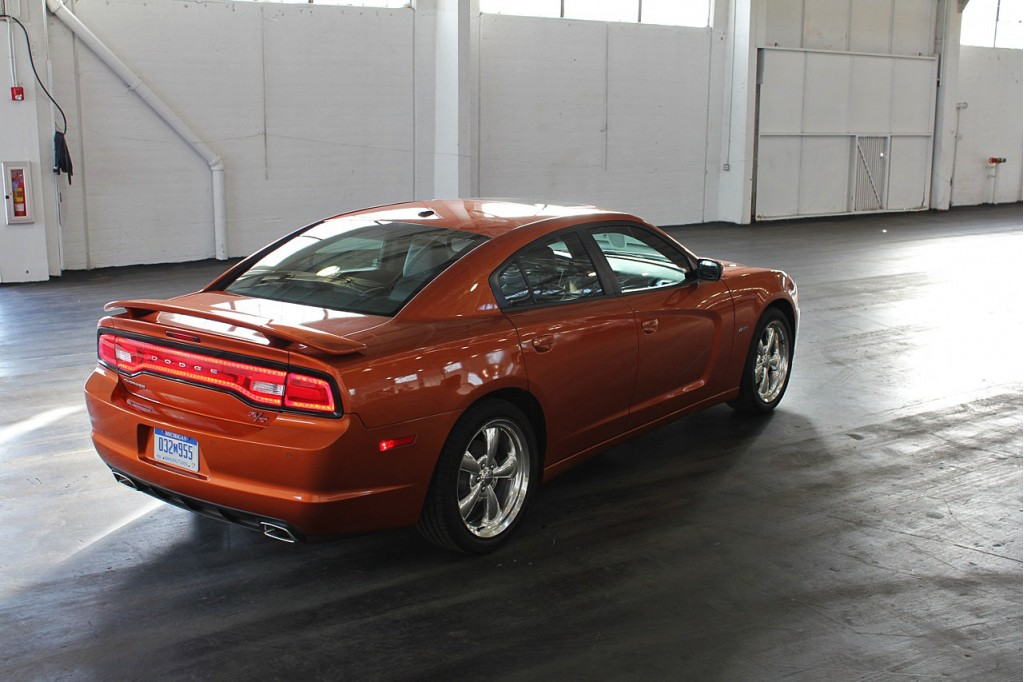 2011 Dodge Charger Se Rwd With A Mileage Of 18 27 Car