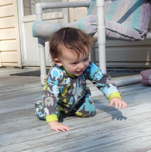 bebé-gateando-mi-kinder