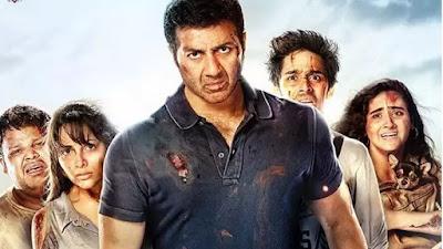 अभिनेता सन्नी देओल अपनी फिल्म 'घायल वंस अगेन' के पोस्टर में