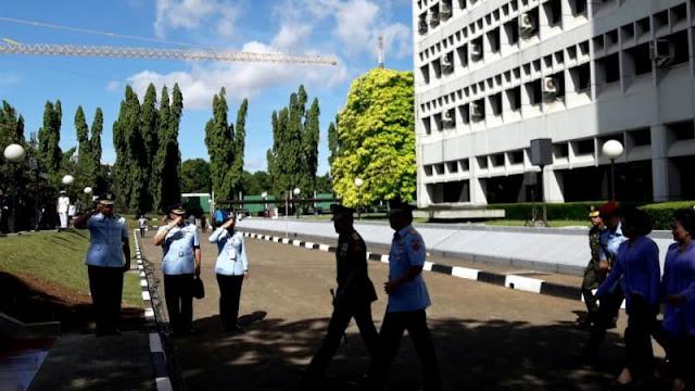 Video: Jenderal Gatot Serahkan Jabatan Panglima TNI ke Marsekal Hadi