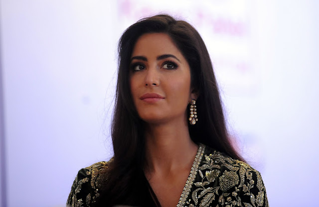 Katrina Kaif HD Stills at Receving Smita patil memorial award