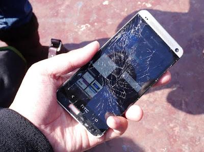 màn hình htc deisire 616 bị vỡ