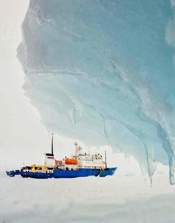 Navio de bandeira russa Akademik Shokalskiy segue imobilizado,  mas cientistas aquecimentistas foram resgatados. Foto: Andrew Peacock-AFP