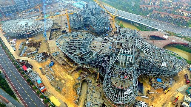 Flower-shaped building 'blooms' in Changsha by Zaha Hadid