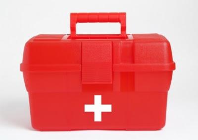 Sedia kotak P3K di rumah anda jika sakit. Gambar dari Internet