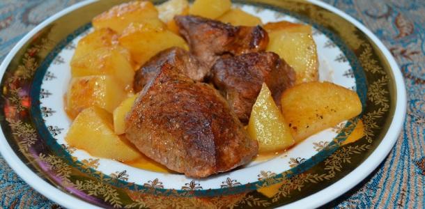 Μοσχάρι με πατάτες στο φούρνο