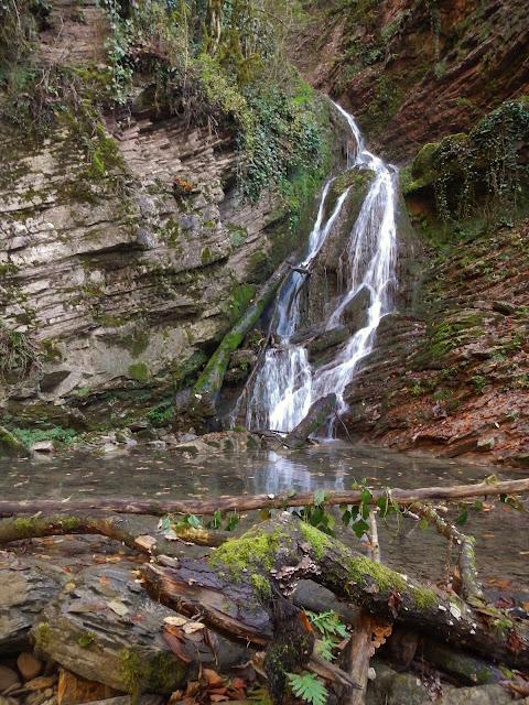 Водопад Ажек верхний