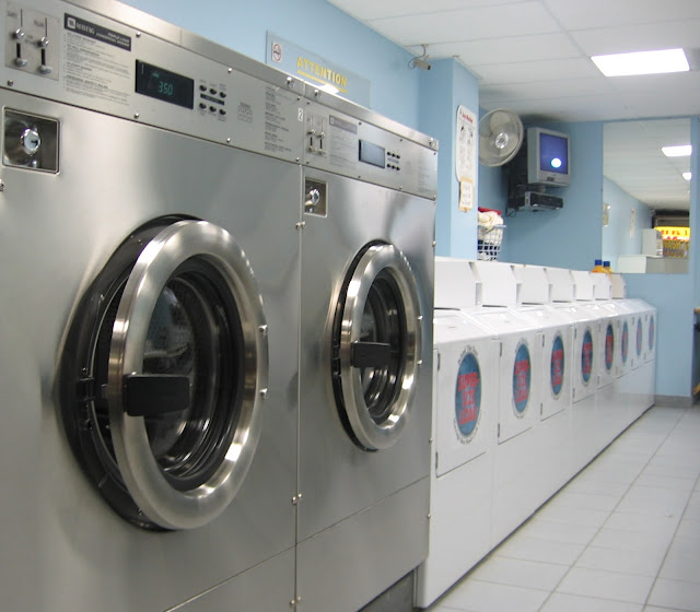 commercial-laundry-room
