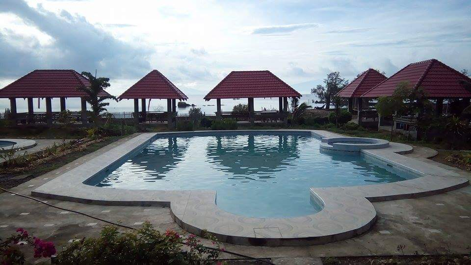 Cecel Beach Resort and Island Grill guimaras