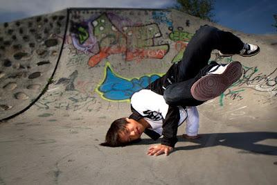 Gerakan Basic Breakdance untuk Pemula Freeze