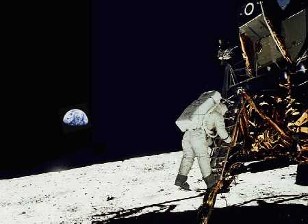 neil armstrong stepping on the moon - photo #4