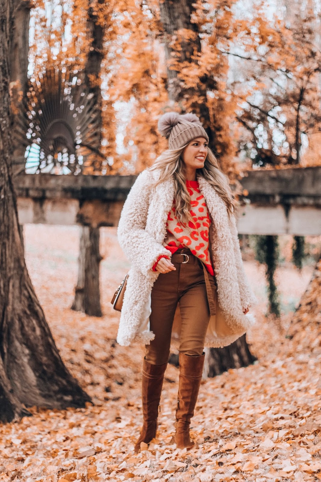 abrigo peluche beige