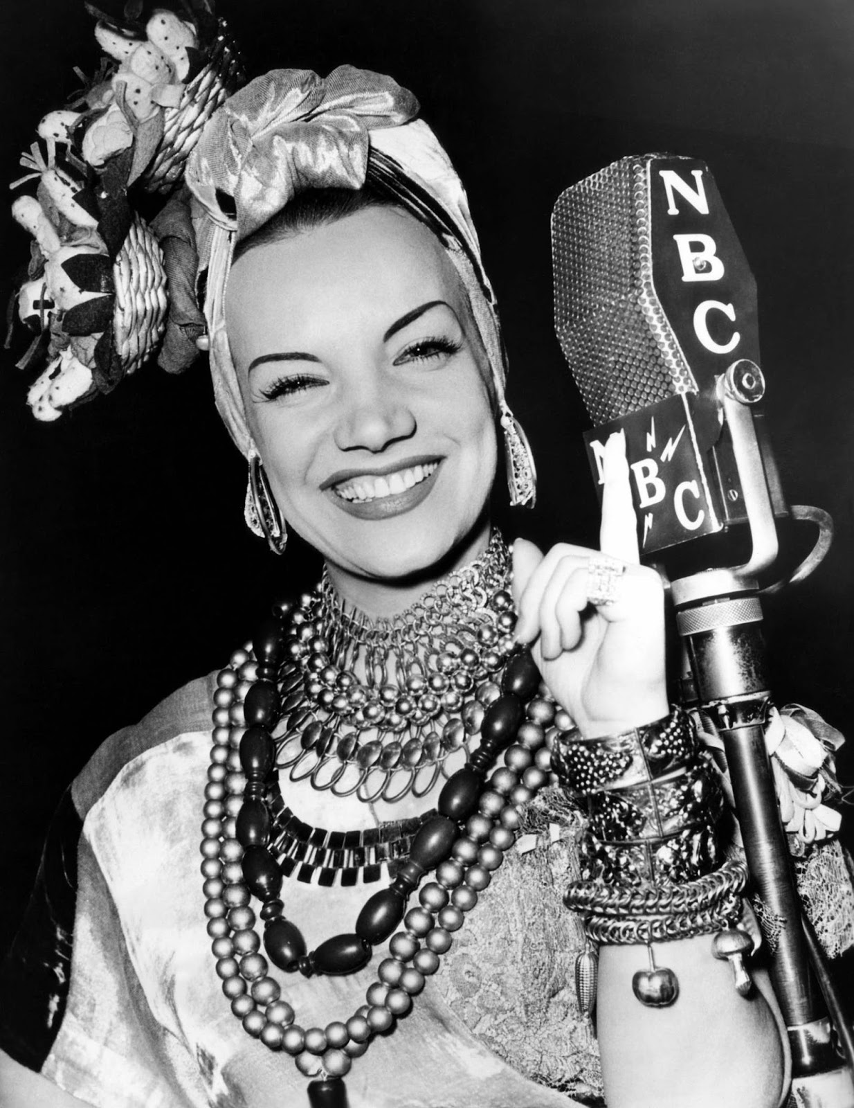 Resultado de imagem para Carmen Miranda: A Embaixatriz do Samba