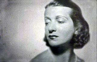 """Τα """"μαύρα χρόνια""""... Σαν σήμερα η δολοφονία της Ελένης Παπαδάκη."""