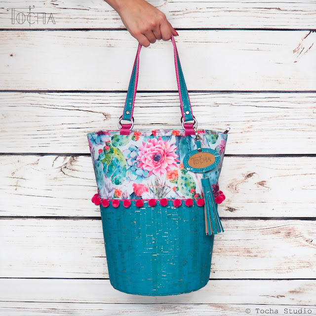 blooming cactus, bucket bag, cork, cork fabric, cork leather, Corko, handbag, Lanzarote, pompoms, Portuguese cork, turquoise, vegan leather, eco-friendly, sustainable,
