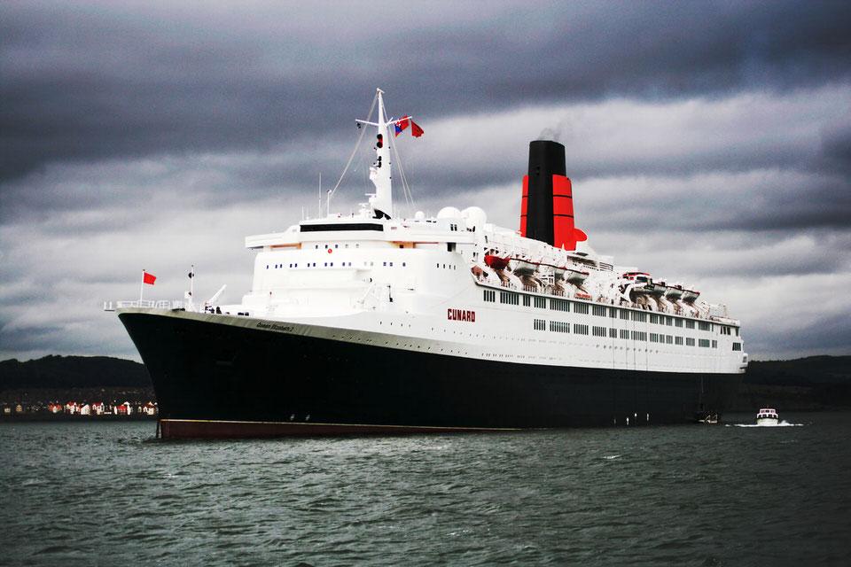 Η βασίλισσα επίταξε το πλοίο QE2 το 1982