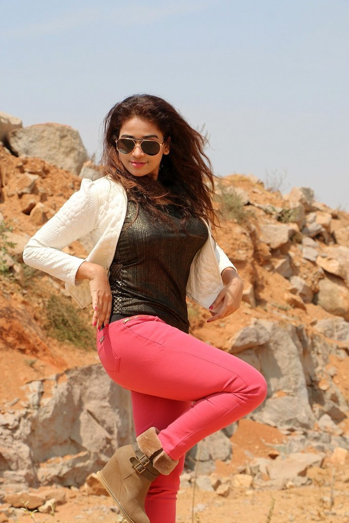 Jayathi Starring Lachhi Telugu Movie Photos Gallery