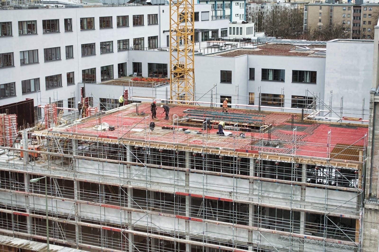 berliner baustellen 0293 baustelle erweiterung aufbau haus durch den neubau prinzenstra e 84. Black Bedroom Furniture Sets. Home Design Ideas