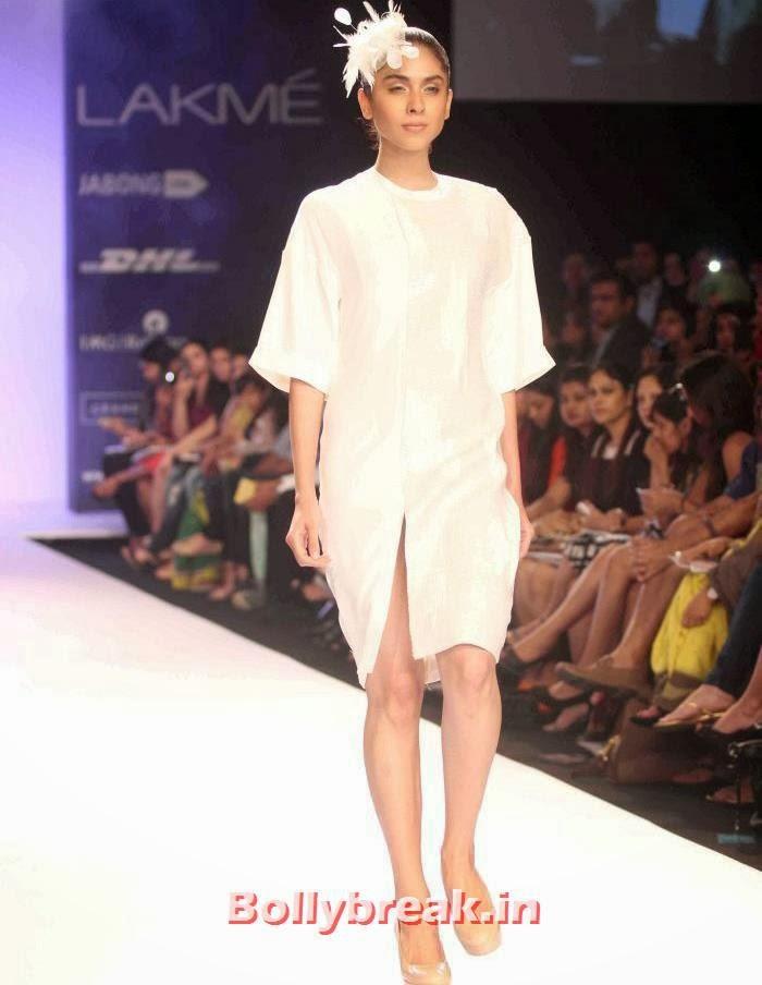 Gen Next Show at Lakme Fashion Week Summer Resort 2014, Indian SuperModels Ramp Walk at Gen Next Show at Lakme Fashion Week 2014