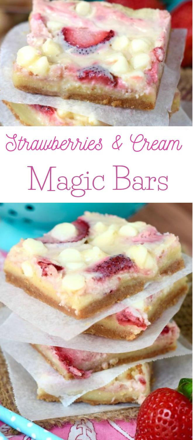 STRAWBERRIES AND CREAM MAGIC BARS #cakes #dessert