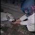 ΕΥΓΝΩΜΟΣΥΝΗ! Πώς ευχαριστεί ο σκύλος την γυναίκα που τον βοηθάει...