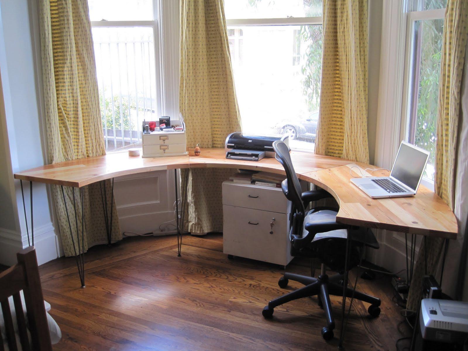As The Saw Blade Turns: Bay Window Desk!