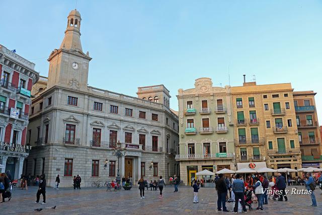 Edificio del ayuntamiento y Casa Pinyol, Plaza del Mercandal, Reus