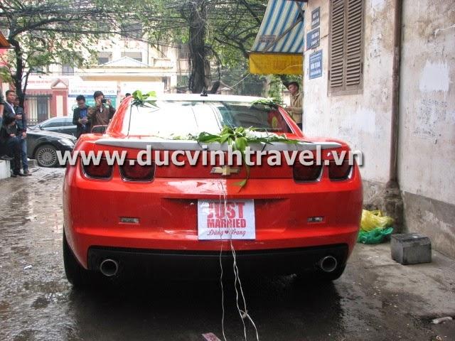 Xe cưới Camaro đỏ nổi bật của cặp đôi du học sinh Mỹ - DUC VINH TRANS 4