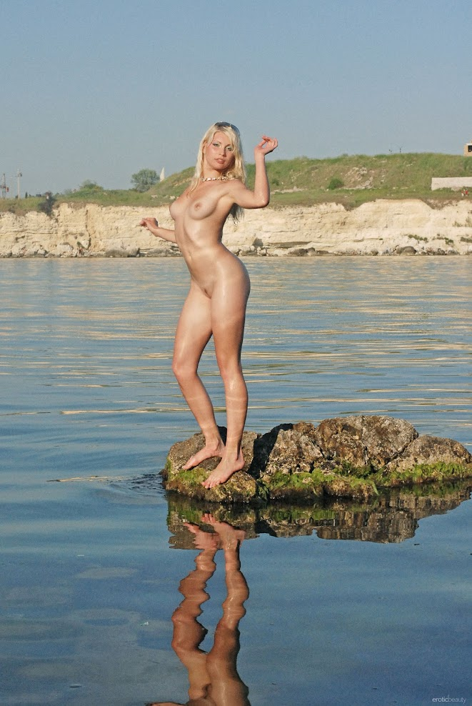 title2:EroticBeauty Kalina Presenting Kalina title2eroticbeauty 07230